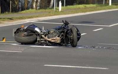 Yüksek değerli bir motosiklet kazası beyin yaralanma davası başarıyla sonuçlandı